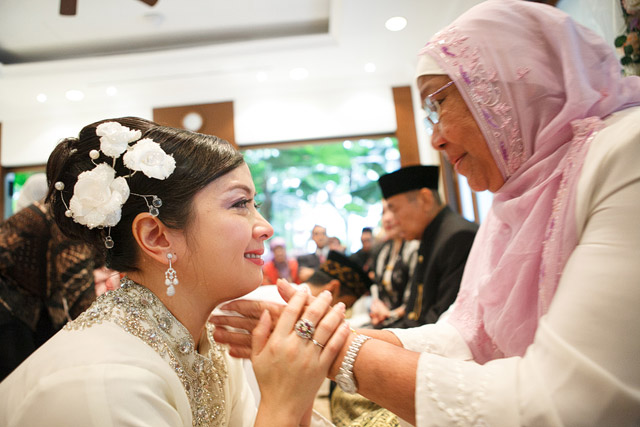Siska's Akad Nikah Makeup and Hairstyling by Jovie Tan from TheLittleBrush Makeup